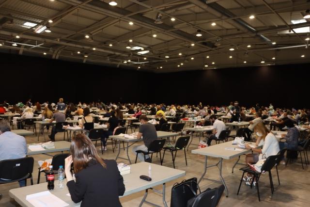 557 кандидати се явиха на писмения изпит за младши съдии