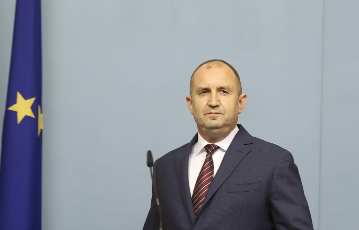 Президентът назначи служебното правителство, проф. Янаки Стоилов поема правосъдието