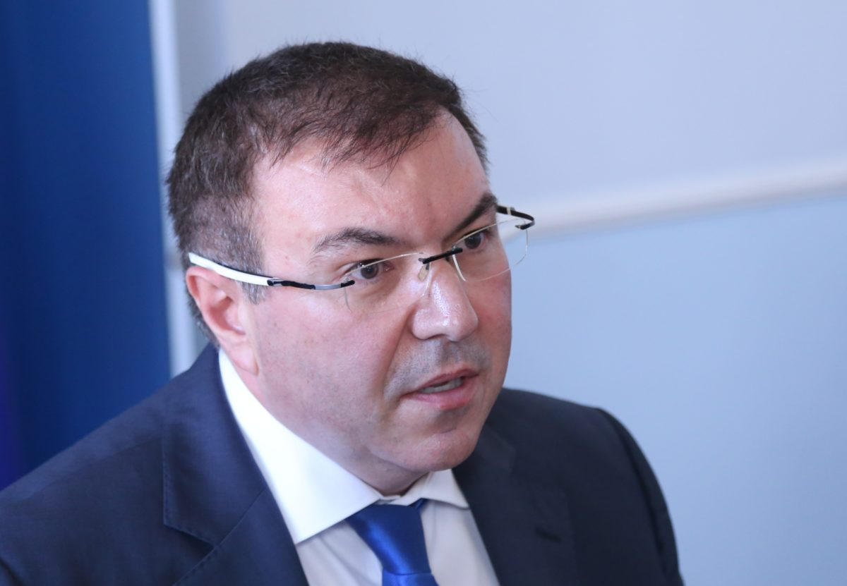 Здравният министър: Няма нужда от нови мерки срещу COVID-19