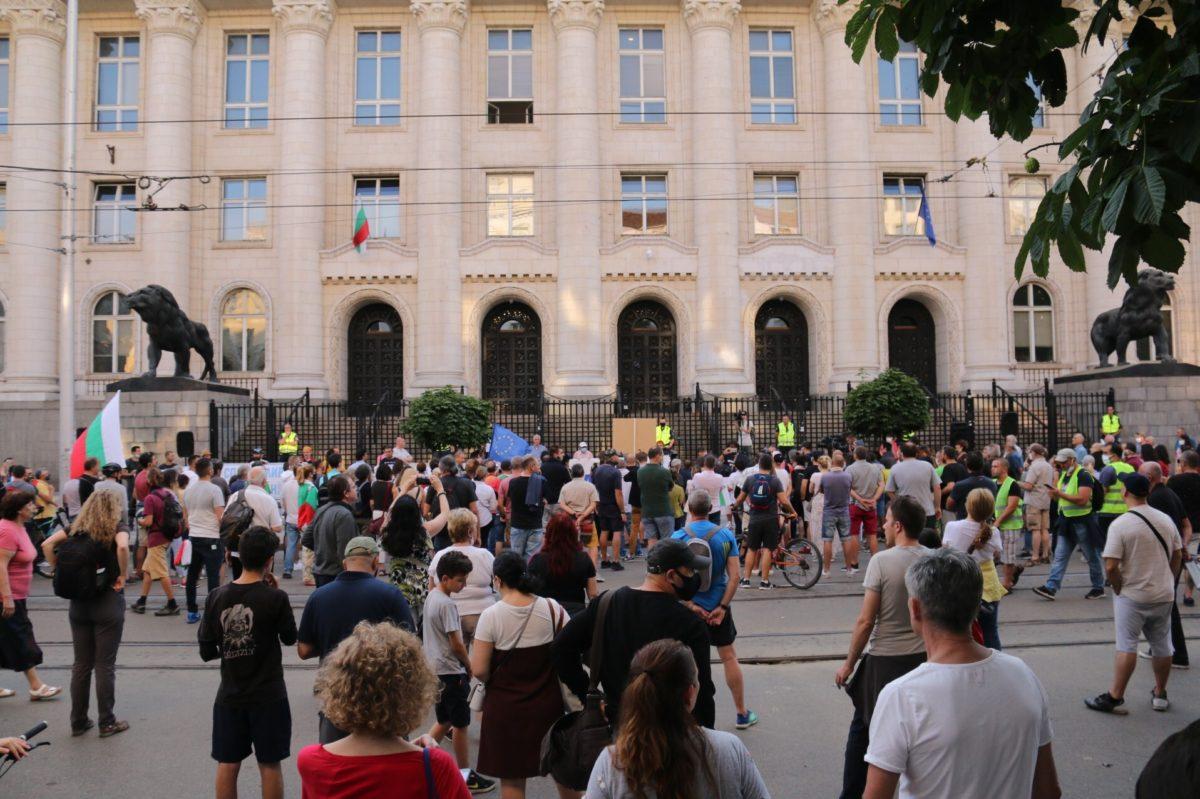 Протестиращите планират обсада на Съдебната палата