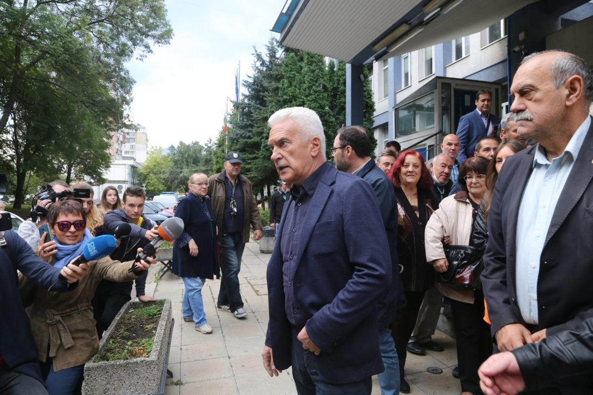 Волен Сидеров се яви доброволно в полицията след нова призовка