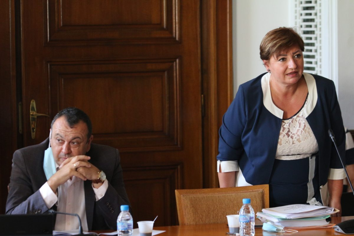 Правната комисия отхвърли ветото на президента за кариерните бонуси на членовете на ВСС