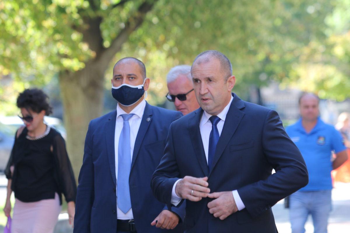 Президентът е под карантина след нов контакт със заразен с COVID-19