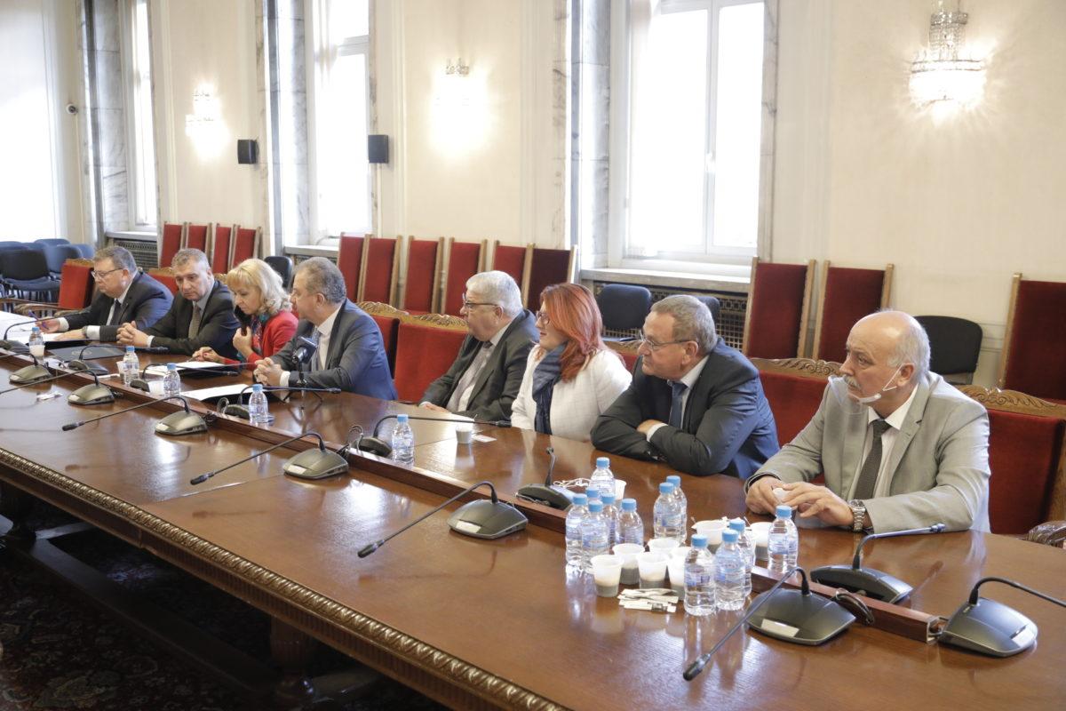 """Започва стажантска програма """"Академия Антикорупция"""" за студенти от УНСС"""