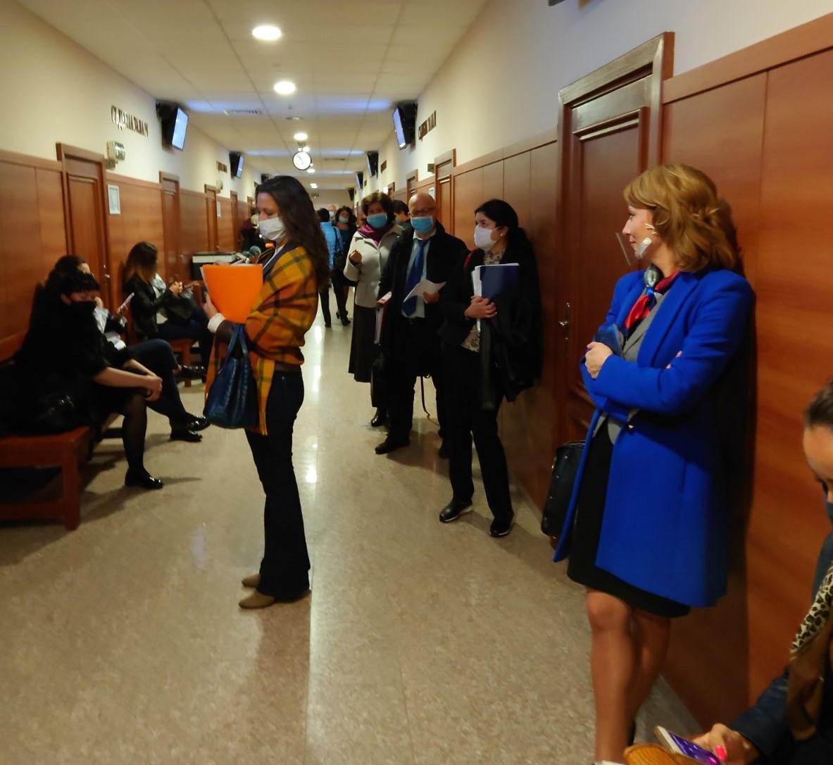 Адвокати: В СРС има струпване на хора, въпреки мерките срещу COVID-19. Шефът на съда разпореди проверка