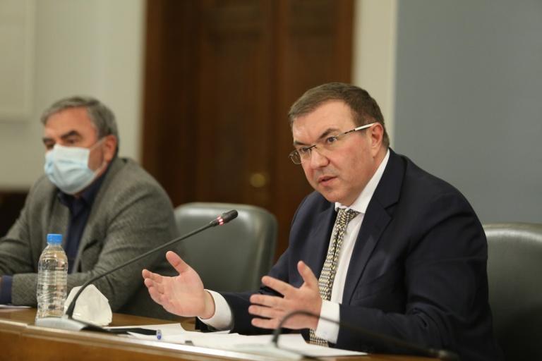 Здравният министър обяви окончателните по-строги мерки – от петък вечер до 21 декември