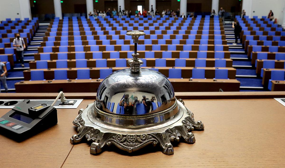 Законодателен хаос с поправката за неустойката по бърз кредит