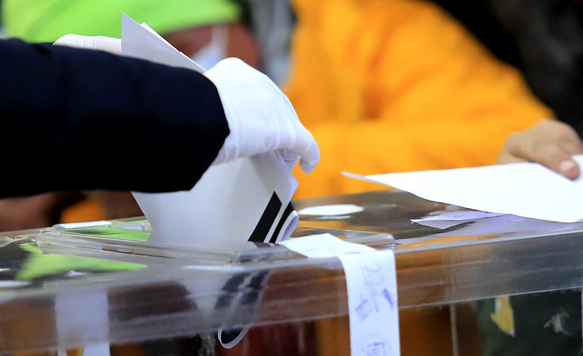 Неуспял кандидат за депутат в схема за купуване на гласове