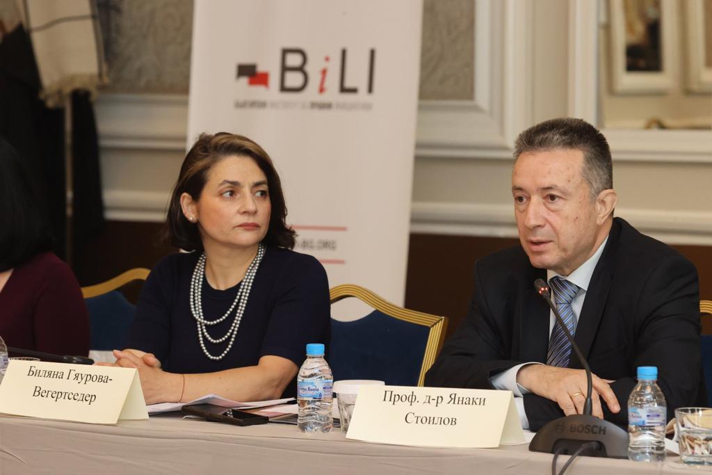 Проф. Янаки Стоилов: Има опасност да попаднем в период на конституционна инфлация