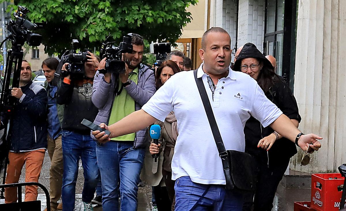 Илчовски говори 3 часа в прокуратурата за рекет и корупция