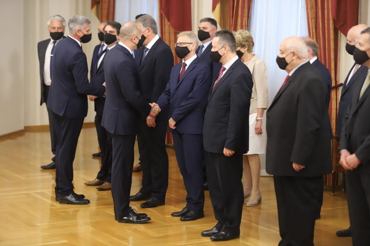 Президентът: Служебният кабинет доказва, че демократи от различни цветове могат да надмогнат овехтели разделения