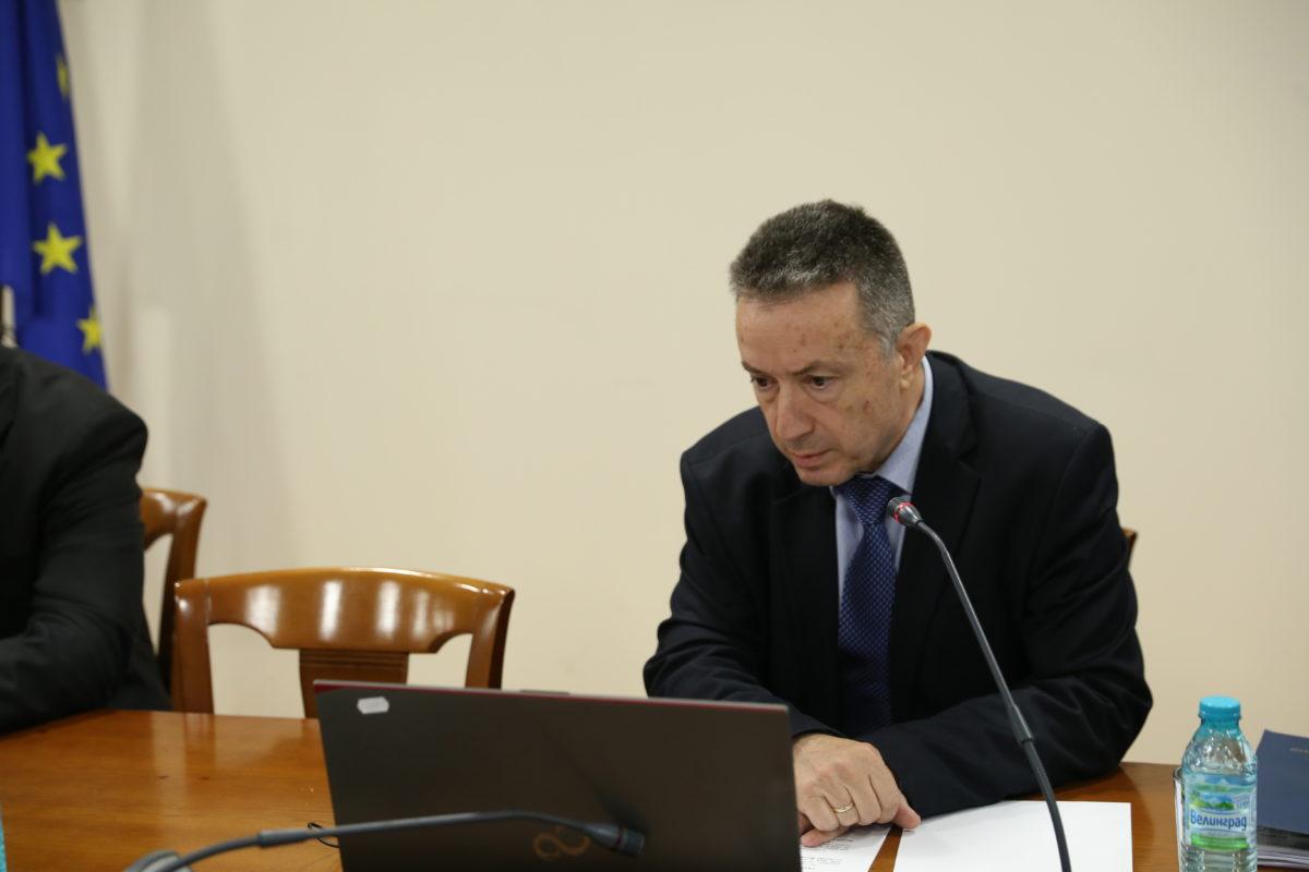 Министърът на правосъдието поиска прокуратурите в Сливница и Своге да не се закриват