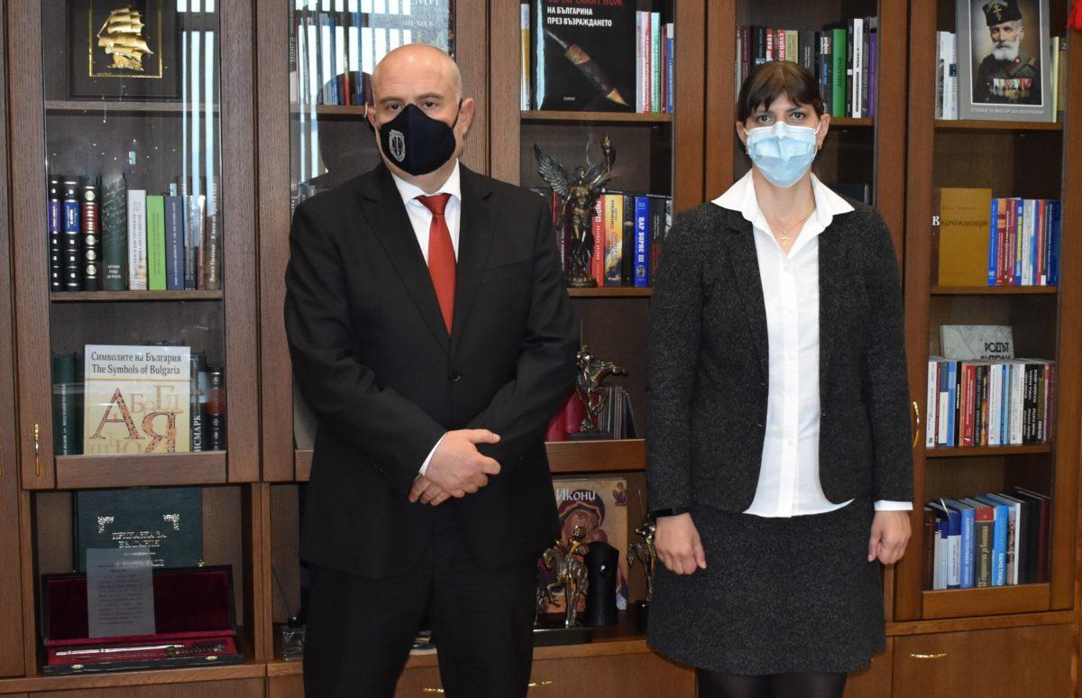 Кьовеши и Гешев се срещнаха в Съдебната палата