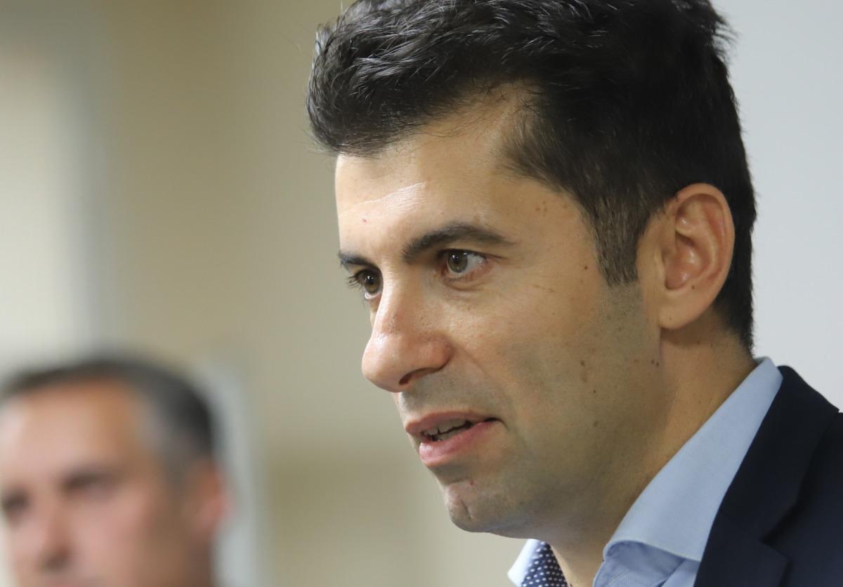 Конституционният съд решава за Кирил Петков на 27 октомври